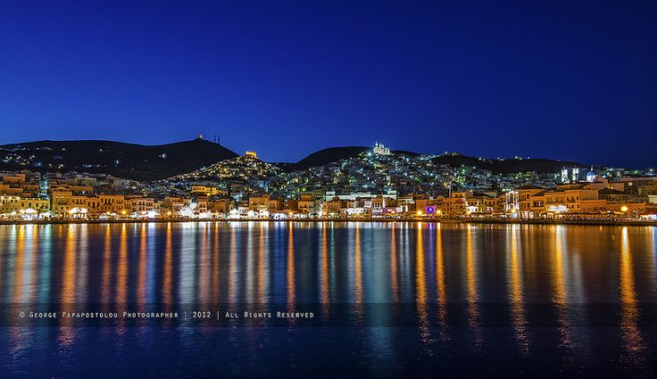 GREECE CHANNEL   Ermoupoli at night!