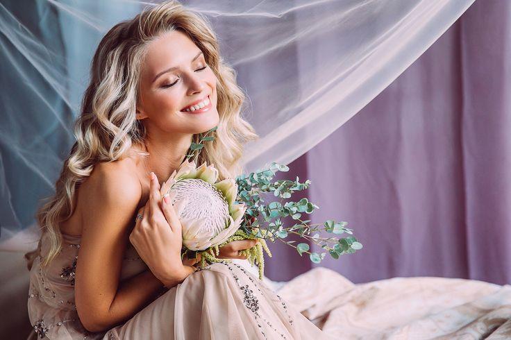Ph: Kseniya Chebiryak Md: Ekaterina Desyatova Decor: Anastasiya Makarova Muah: Elena Vinokurova Mehendi: Dasha BelostotskayaFlowers: Victoria Kolomina Платье: DressRent