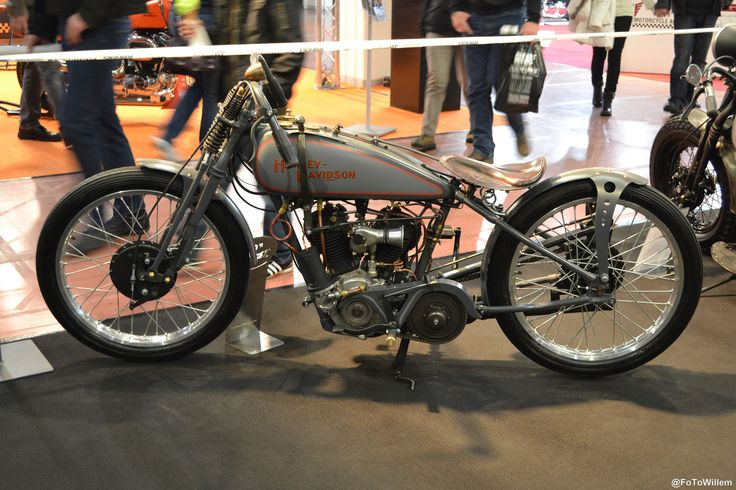 https://flic.kr/p/dAZgpz | Old Flat Track Harley Racer | Old Harley Race Style at the Custom Bike Show Bad Salzuflen