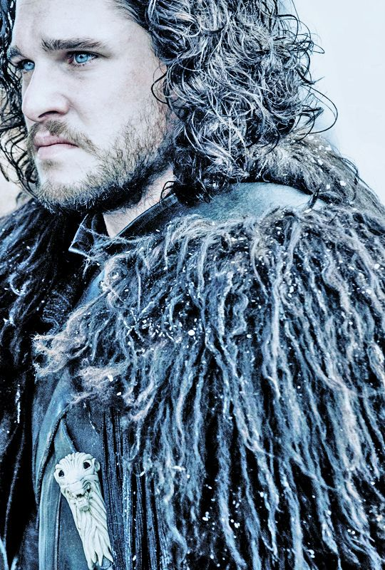 WOW! Didn't think you could improve on Jon's gorgeous looks but the blue eyes are smokin'! #gameofthrones