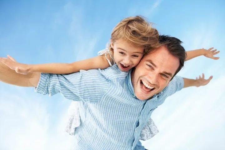 Отец и дочь   НаШа Буся - здоровый и умный ребенок. Авторские методики, пособия,игры