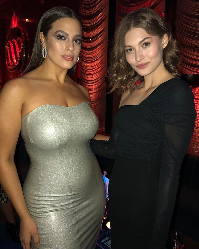 #V111 stars @theashleygraham and @lovegrace_e get some girl talk in at our pre-Grammy party with @warnermusic!  via V MAGAZINE official Instagram - #Beauty and #Fashion Inspiration - Beautiful #Dresses and #Shoes - Celebrities and Pop Culture - Latest Sales and Style News - Designer Handbags and Accessories - International Advertising Campaigns - Gifts and Bargain #Shopping Guide - Famous Luxury Brands on Instagram - Trendsetters Fashionistas and Shopaholics - Editorial Magazine Covers…