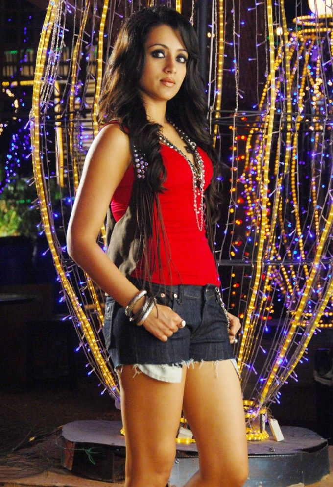 Hot and sexy trisha krishnan