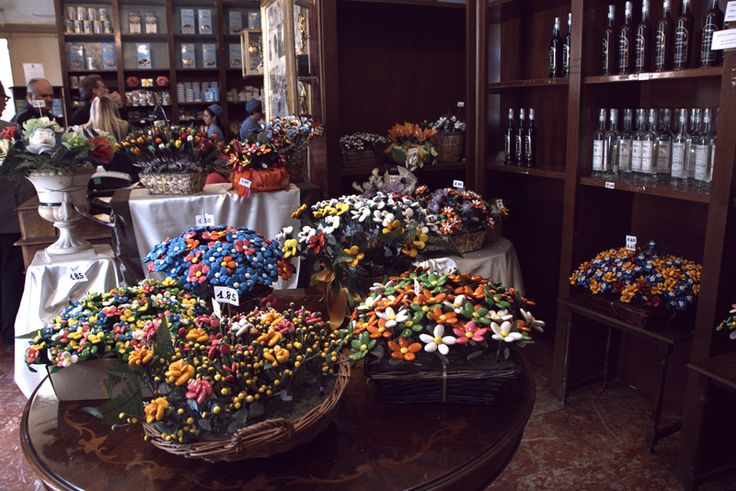 Candy decorated as flowers for sale at the Confetti Pelino Museum. (Photo: Romie Stott)