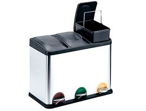http://www.asturalba.com/mobiliario/muebleauxiliar/papeleras-reciclaje/papeleras-reciclaje.htm Cubo de pedal 85-I en acero inoxidable brillo para reciclaje con tres cubos de 15 litros