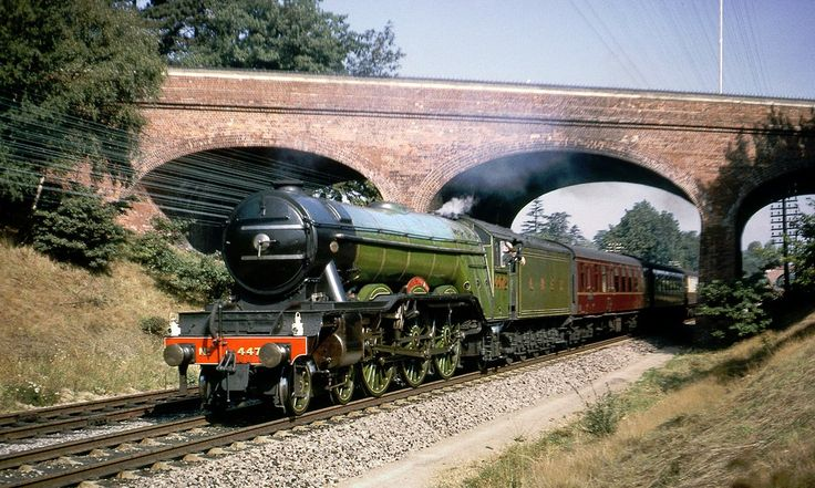 4472 (60103) Flying Scotsman at Reading West, 12th September 1964. Photo by David Christie