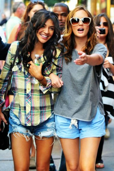 blair and vanessa: Cute Outfits, Street Style, Jessica Szohr, Xoxo Gossip, Plaid Shirts, Leighton Meester, Jeans Shorts, Denim Shorts, Gossip Girls