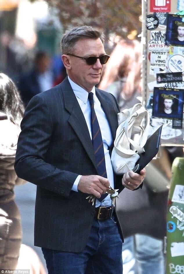 0f3f66a2a4d I ❤ Daniel Craig — Daniel Craig outside Christie s Auction in New ...