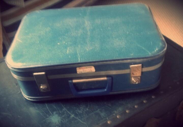 Cases- small vintage suit case