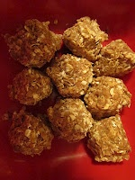 """These are peanut butter energy bites NO BAKING!  2 cups Quick cook oats( not instant oatmeal)  3 tsp Honey  Smooth peanut butter- at least few heaping tablespoonfuls to get the right consistency  2 tsps Ground flax seed  1 tsp cinnamon  1 tsp vanilla  2 tsp Visalus vi-shape shake mix    Can't give EXACT proportions because some peanut butter is thicker than others. But mix well, then refrigerate for 30 minutes or so then you can form """"balls"""" with your hands.: Smooth Peanut, Flax Seeds, Peanut Butter Oatmeal, Tsp Honey, Honey Smooth, Cups Quick, Tsp Cinnamon, Instant Oatmeal, Peanut Butter Ball"""