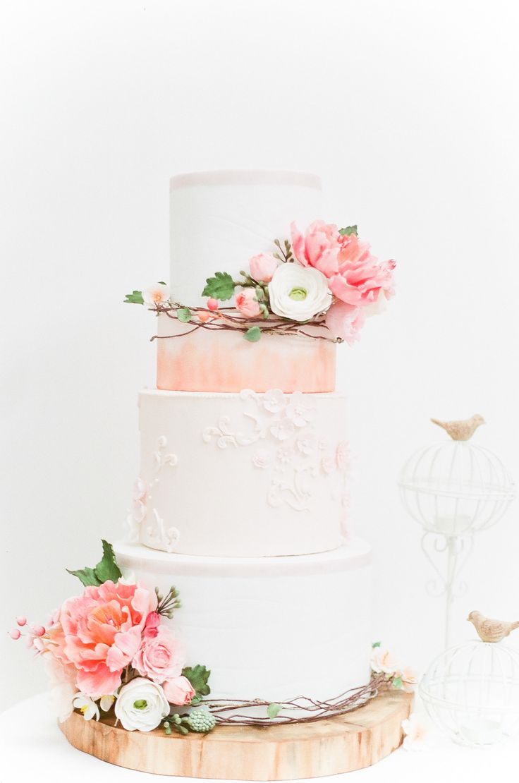 Photography: Nadia Hung | Cake: Hello Sunshine Cake Studio