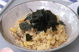 NHK WORLD TV | Your Japanese Kitchen | Steamed rice with pork and vegetables