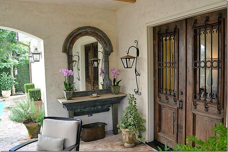 I Have Never Thought About Doing A Vanity Style Table On The Porch For Flower Arrangements Etc