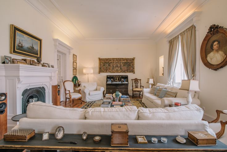 HomeLovers: cozy living room