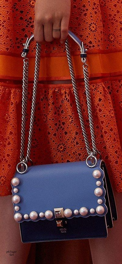 bolso con perlas