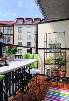 Make your balcony the most relaxing outdoor space of your apartment with these 7 APARTMENT BALCONY IDEAS!