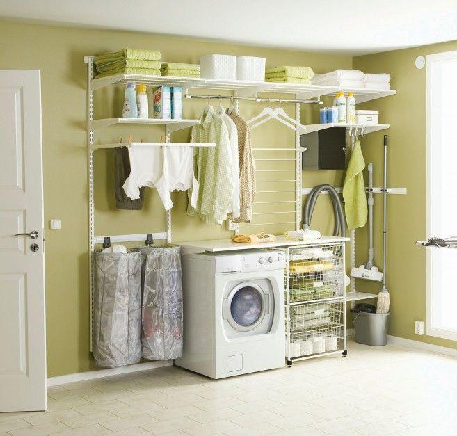 Elfa Classic to modułowy system przechowywania firmy Elfa. Ilość koszy półek i wieszaków można wybrać samodzielnie i zgodnie z potrzebami zagospodarować przestrzeń pralni. Fot. Elfa