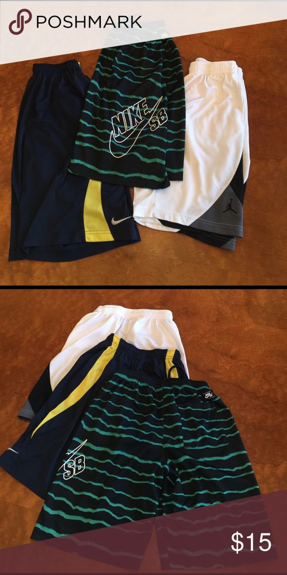 Boys Nike Shorts Size Medium Boys Nike Shorts Size Medium. Great condition. Worn a few x's. Nike Bottoms