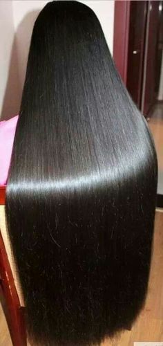 Sexy Long Hair Tips! http://longhairtips.org/ OMG what beautiful silky shiney hair