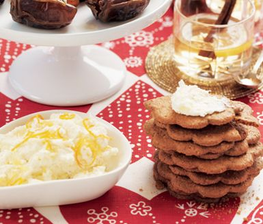 Pepparkakor med citrusmascarpone | lemon and orange mascarpone for gingerbread snaps.