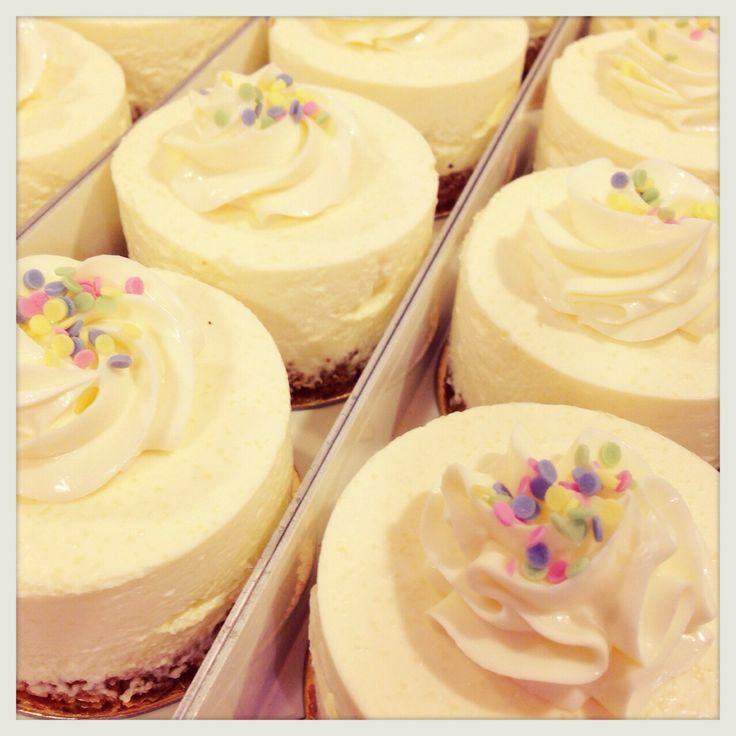 lemon cheese cake, daisy cake, philadelphia original