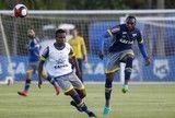 """src=Xhttp://s2.glbimg.com/pNDO89y8d60uyQga4G3XnSs5KBE=/160x108/smart/s.glbimg.com/es/ge/f/original/2017/01/20/treino_003331.jpg> De olho em """"grande temporada"""" Élber vai completar 100 jogos pelo Cruzeiro ]http://globoesporte.globo.com/futebol/times/cruzeiro/noticia/2017/02/de-olho-em-grande-temporada-elber-vai-completar-100-jogos-pelo-cruzeiro.html #cruzeiro ℹ"""