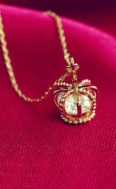 Crown Necklace, I Must have
