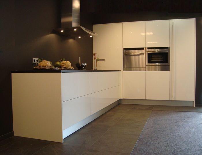 27260-Italia+Cucine+Greeploze+Design+Keuken.jpg (700×535)