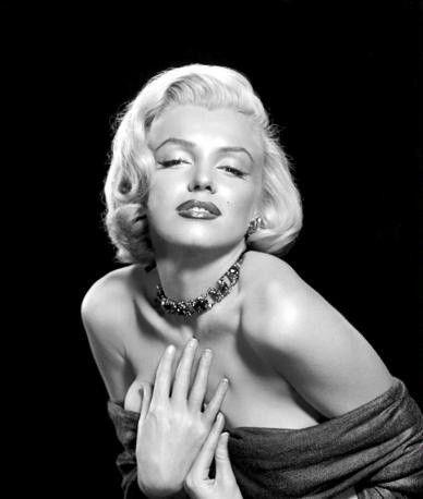 Marilyn Monroe: all'asta le cartelle cliniche della sua chirurgia estetica - Chirurgia Estetica Tentazione Benessere - http://www.tentazionebenessere.it/marilyn-monroe-all-asta-le-cartelle-cliniche-della-chirurgia-estetica/ #MarilynMonroe #VIP #estetica #bellezza