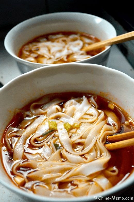 Chinese Breakfast, Flat Rice Noodle Soup. www.china-memo.com #chinesefood #homecooking