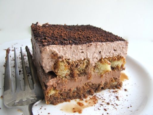Chocoholic: Easy Chocolate Tiramisu. Oh yeah, you know this would make every day better. #recipe