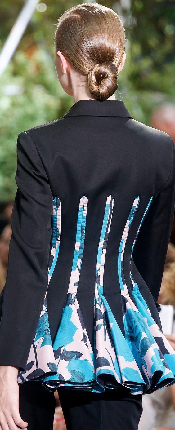 Dior by Raf Simons Fashion Show details