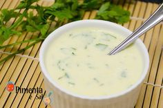 Receita de Molho de Iogurte para Saladas ou Sanduíches. Receita leve e saudável. Molho de iogurte light, como fazer