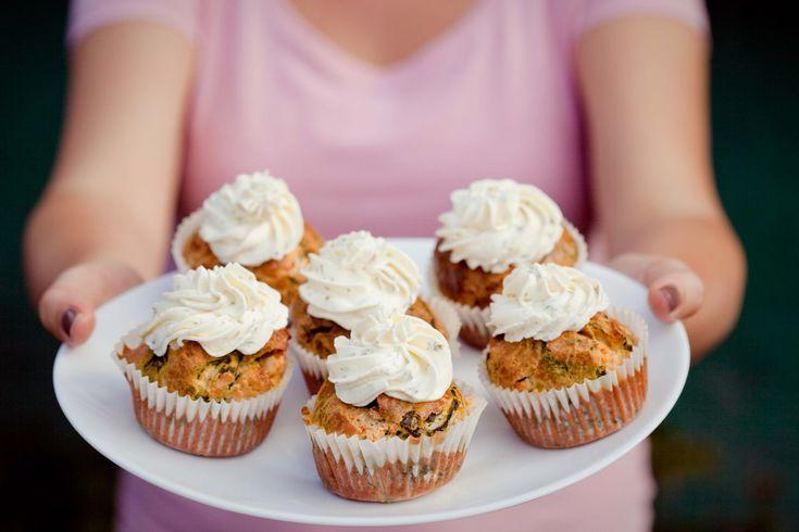 Muffinki ze szpinakiem, fetą i ziołowym serkiem