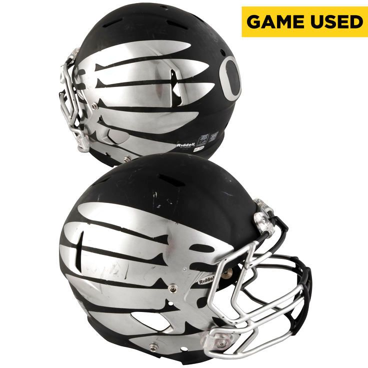 Oregon Ducks Fanatics Authentic Game-Used Grey and Silver Helmet from the 2016 Season - 1 - $999.99