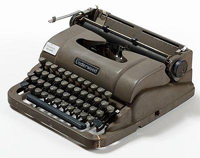 공병우 타자기 Byeongwoo Gong's Korean typewriter It is from Underwood typewriter