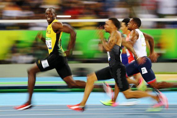 Август. В Рио-де-Жанейро прошли летние Олимпийские игры. Ямайский бегун Усэйн Болт (слева) завоевал титул семикратного олимпийского чемпиона