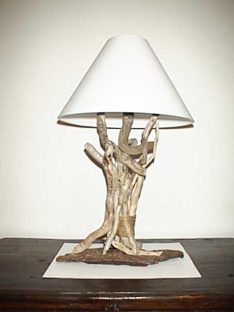Lampada con legni del mare