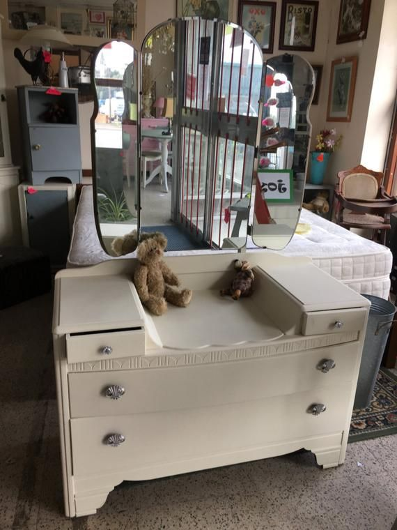 For Sale A Hand Painted Antique White Dresser Consists Of 2 Small Draws And Two Larger One Painted Dresser Hand Painted Dressers Small Dresser With Mirror