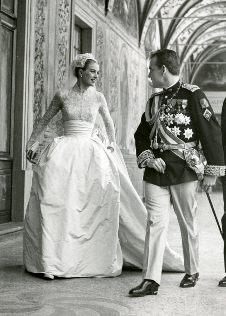 From old Hollywood legend to Princess of Monaco, a new exhibit pays tribute to Grace Kelly.