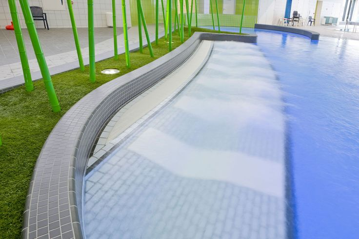 Swimming hall De Vrolijkheid in Zwolle, The Netherlands - done with swimming pool ceramics by AGROB BUCHTAL