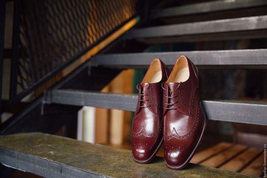 Handmade leather men's shoes / Обувь ручной работы. Ярмарка Мастеров - ручная работа. Купить Мужские туфли бордовые