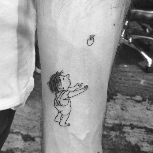 Tatuaje inspirado en la portada del libro El árbol...