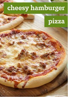 Cheesy Hamburger Pizza – Are you a fan of cheeseburgers? Are you a fan of pizza? Chances are excellent you'll be cheering for this Cheesy Hamburger Pizza, too!