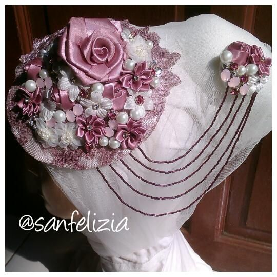 #hijabstyle #jilbabmodern #gayahijab #hijabpengantin #jilbabpengantin #headpiece #hiasanjilbab #hiasanhijab #headpiecepengantin #wedding #bride #bridal #jahit #hiasankepala #hairpiece #weddingheadpiece #veil #kerudungpengantin #mua #modeljilbab #modelhijab #kerudungpesta #brokat #pengantin #pesta #pernikahan #penatarambut #handmade #jualheadpiece #jualhiasankepala #jualkerudungpengantin #jualhairpiece #headaccessories #aksesorispengantin #aksesoriskepala #aksesorisrambut #jualveil…