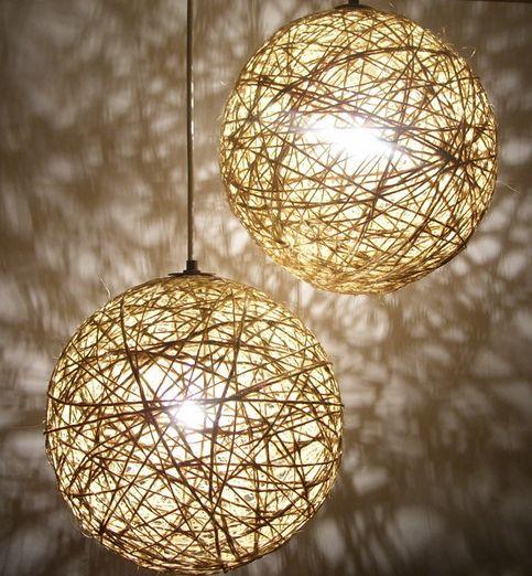En nuestra sección TRENDY · DIY Aprende a fabricar estas hermosas lámparas que ves por todas partes y lucen FANTÁSTICAS!  Para ver el DIY completo visita www.foreveryoungoficial.com