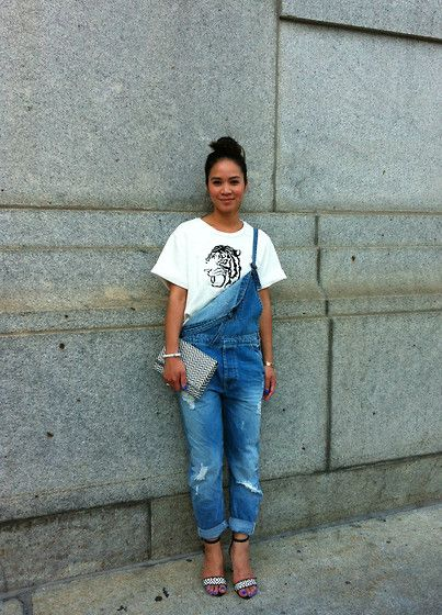 Get this look: http://lb.nu/look/6074749  More looks by Tweety Ho: http://lb.nu/user/3386371-Tweety-H  Items in this look:  Zara Tiger Shirt, Zara Overalls, Zara Shoes, Forever 21 Clutch   #fashion #overalls #jeanoveralls #tiger #zara #blackandwhite #streetstyle #style #streetchic