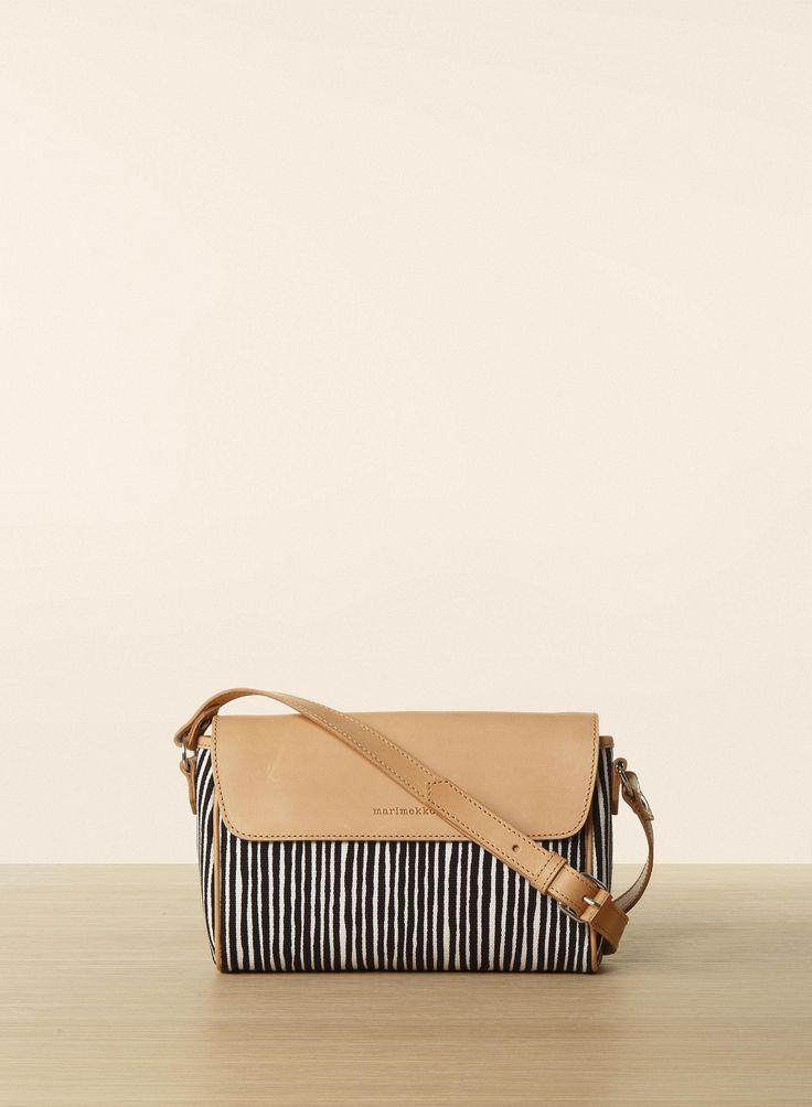 Oh, this I would love. Marimekko bag named Varvunraita/Kaisa.
