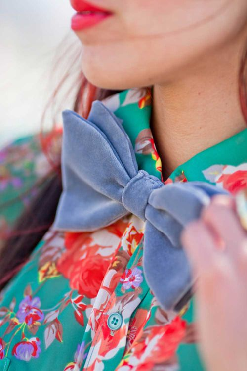 Charming.: Fashion, Style, Blouse, Velvet Bowtie, Color, Bow Ties, Bowties, Bows