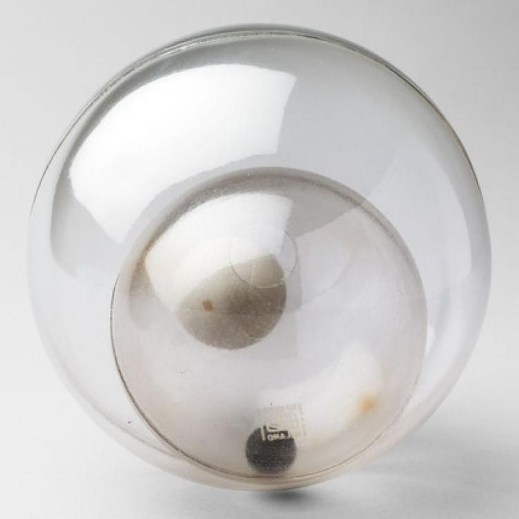 Бруно Мунари -  Double Spheres Object  (1963) - Открыть в полный размер